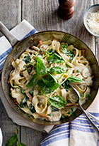 Healthy Veggie Packed Carbonara with Mushrooms & Fresh Spinach